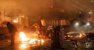 Riot police storm Kiev's Independence Square (Politico.com)